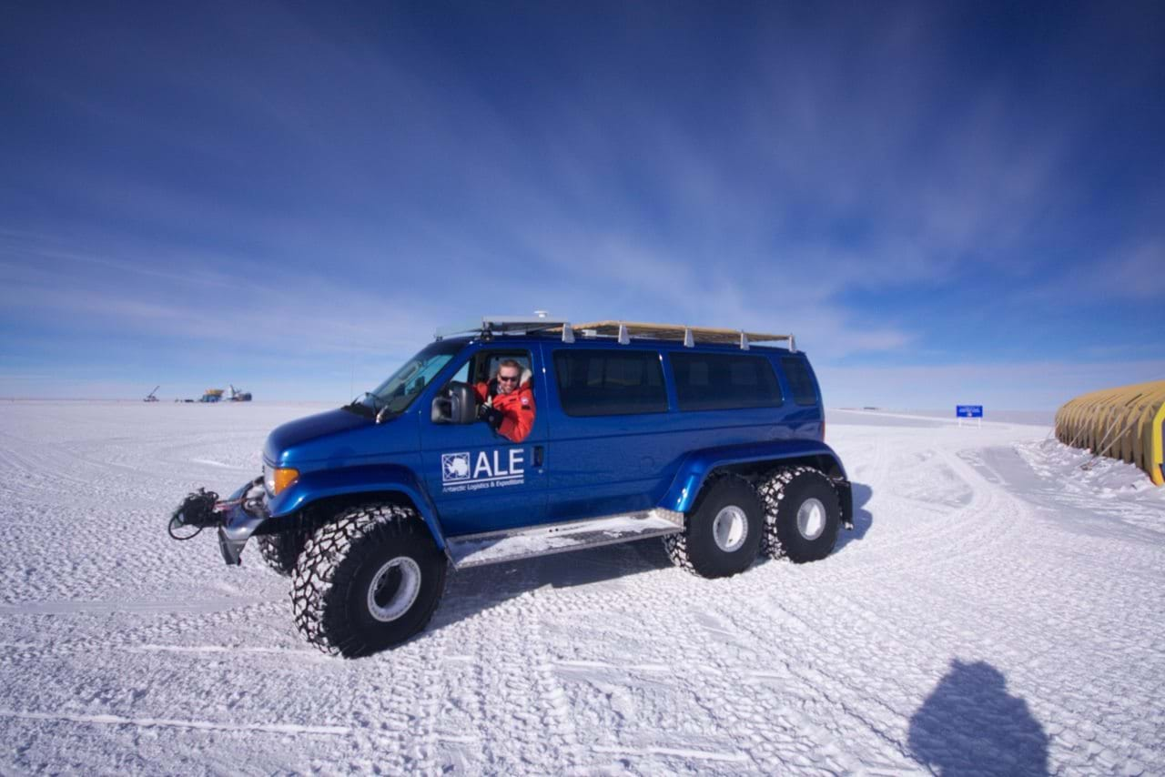 Transport vehicle, South pole