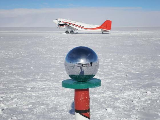 South Pole, Aircraft